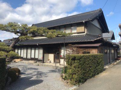 いなべ市北勢町東貝野 中古戸建  落ち着いた風格を感じさせる日本家屋♪お庭や屋内手入れが行き届いており、懐かしさの中にも新しさを感じます!!